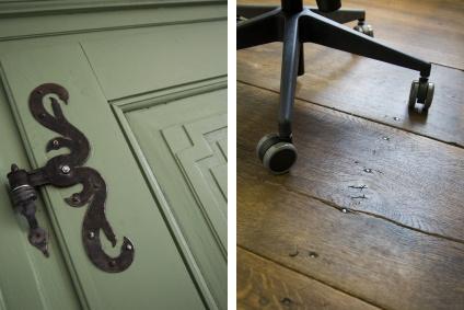 Details: alte Beschläge und Holzdielen